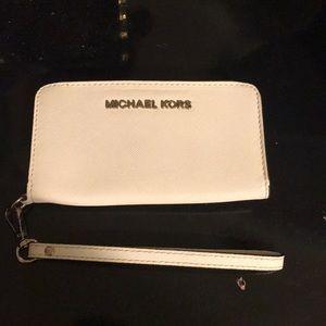Michael Kors cellphone wristlet